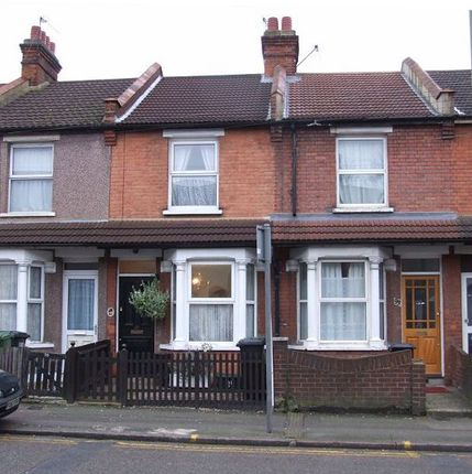 Thumbnail Terraced house for sale in Whippendell Road, Watford
