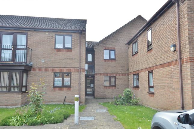 Flat for sale in Wash Lane, Clacton-On-Sea