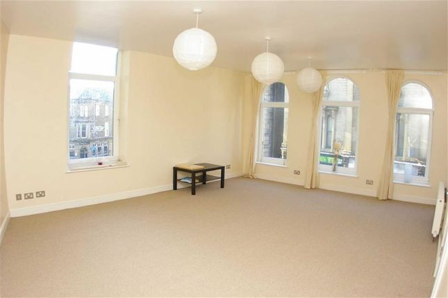 Thumbnail Flat to rent in Town Hall Street, Sowerby Bridge, Halifax