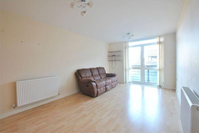 Thumbnail Flat to rent in Maxwell Road, Borehamwood, Hertfordshire