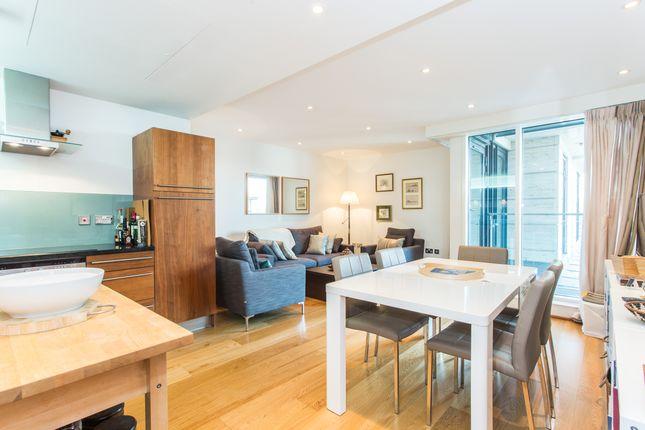 Flat to rent in Baker Street, London