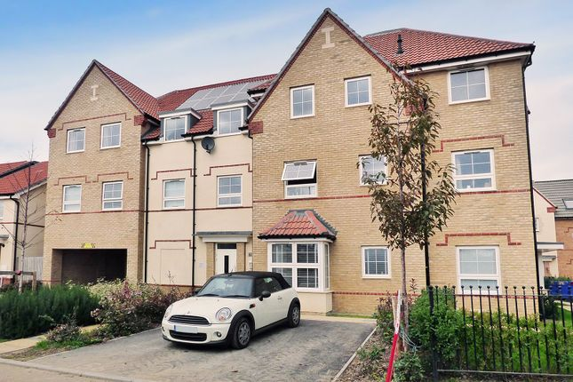 Thumbnail Flat for sale in Brunel House, Cambrian Way, Worthing