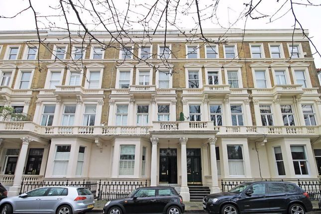 Thumbnail Studio to rent in Earl's Court Square, London