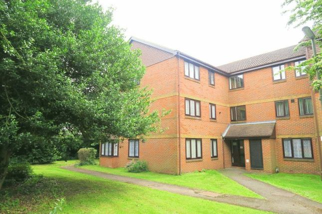 1 bed flat for sale in Dutch Barn Close, Stanwell, Staines