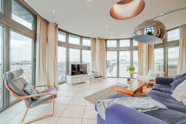 Thumbnail Flat for sale in Clapham High Street, London