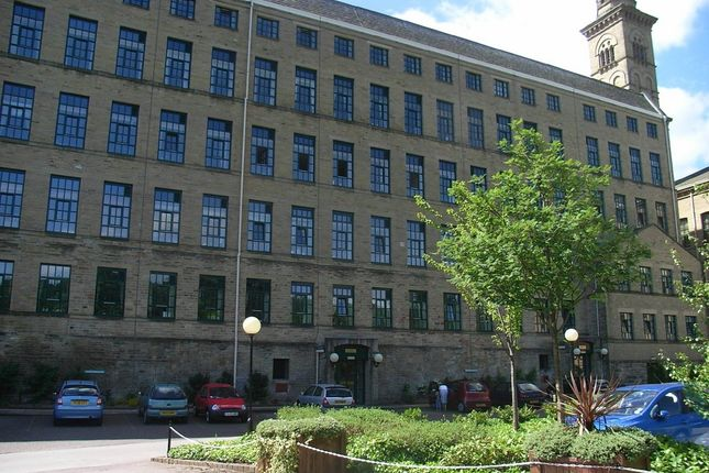 Thumbnail Flat to rent in Victoria Road, Saltaire, Shipley