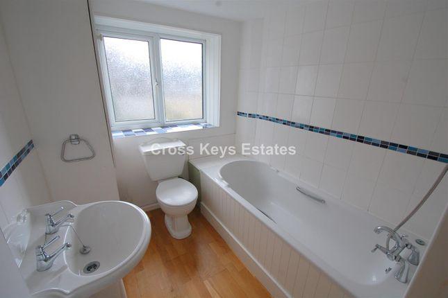 Bathroom of Gascoyne Place, Plymouth PL4