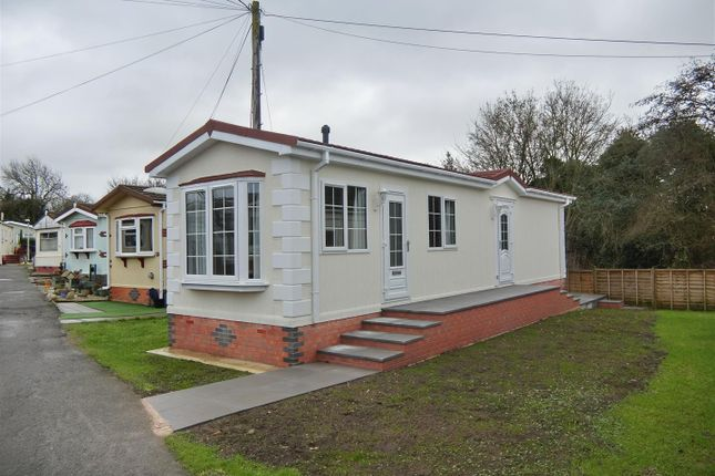 Thumbnail Mobile/park home for sale in St Christopher Park, Ellistown, Leicestershire
