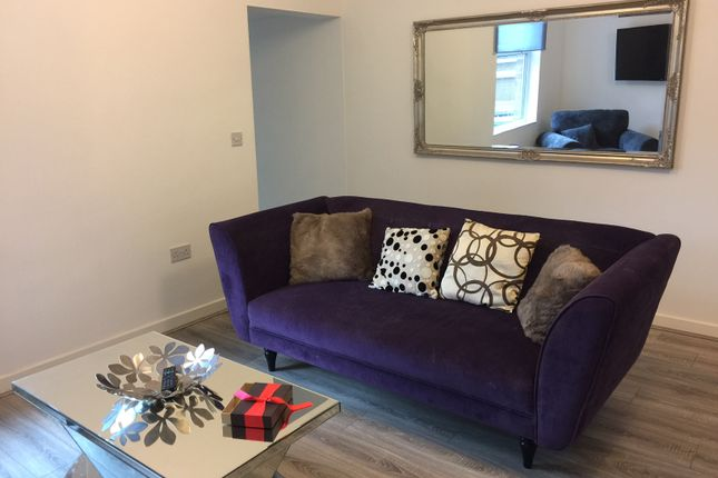 Thumbnail Town house to rent in Austhorpe Road, Crossgates