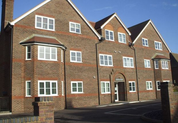 2 bed flat to rent in Pages Avenue, Bexhill-On-Sea, East Sussex