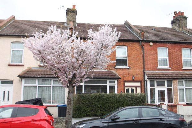 Thumbnail Property to rent in Beverstone Road, Thornton Heath
