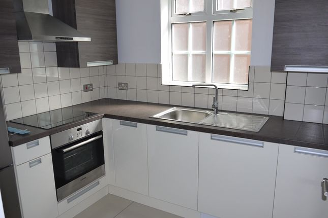 1 bed flat to rent in Staverton Road, London