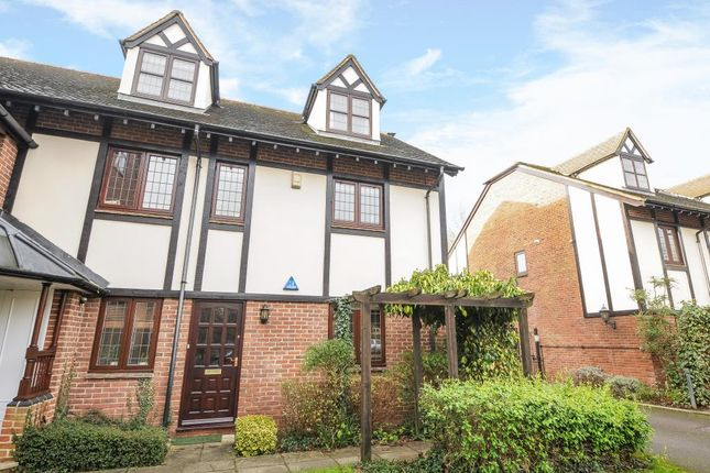 2 bed flat to rent in Lovelace Square, North Oxford
