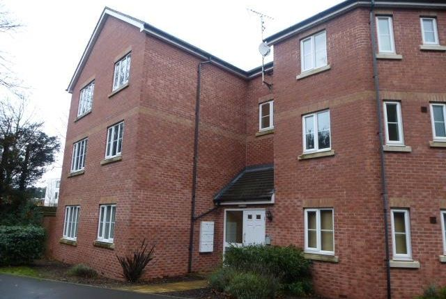 Flat to rent in The Sidings, Hagley, Stourbridge