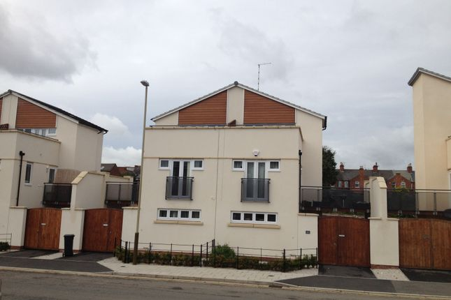 Thumbnail Town house to rent in Watkin Road, Freemans Meadow, Leicester