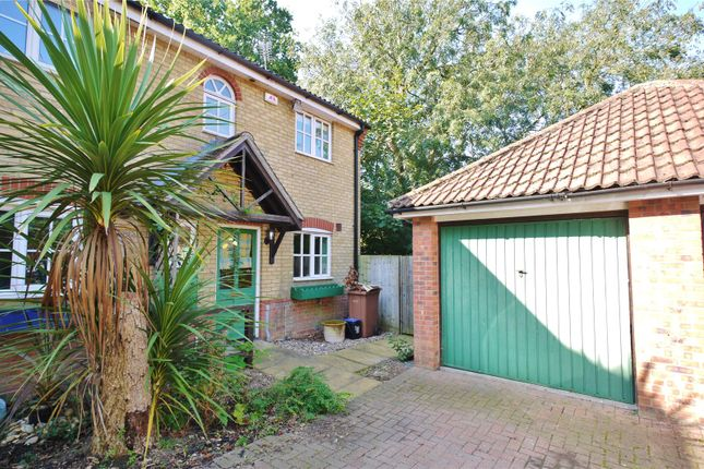 Thumbnail End terrace house for sale in Cleves Avenue, Brentwood, Essex