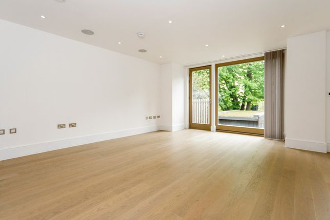 3 bed flat to rent in Flat 4 Thurlow Park Road, West Dulwich SE21