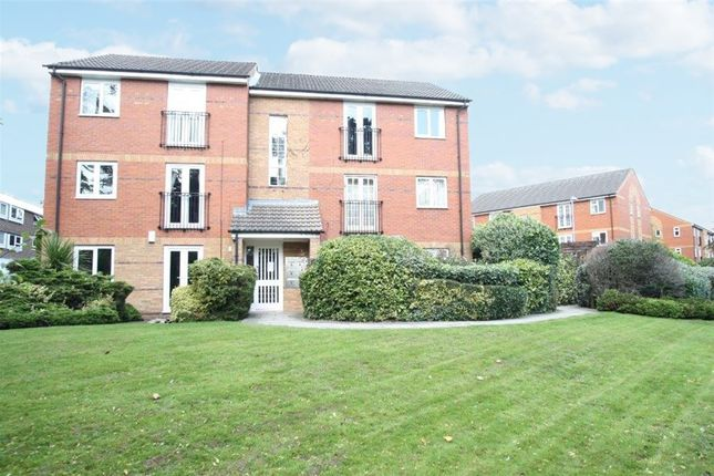 Thumbnail Flat to rent in Lady Park Court, Shadwell Lane, Leeds
