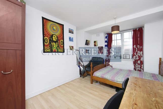 Thumbnail Flat to rent in Bourne Estate, Portpool Lane, London