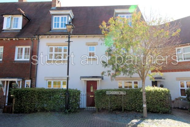 Thumbnail Terraced house to rent in Updown Hill, Haywards Heath