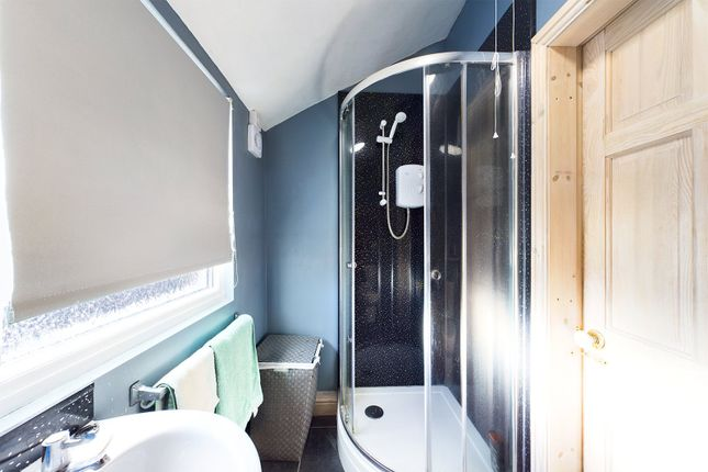 Shower Room of West Acridge, Barton-Upon-Humber, North Lincolnshire DN18