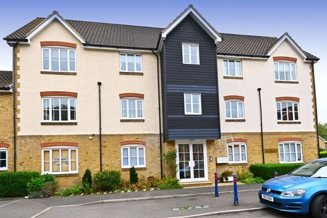 Thumbnail Flat for sale in Cutter Close, Upnor, Rochester