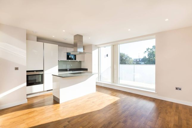 Thumbnail Flat for sale in Kings Avenue, Balham