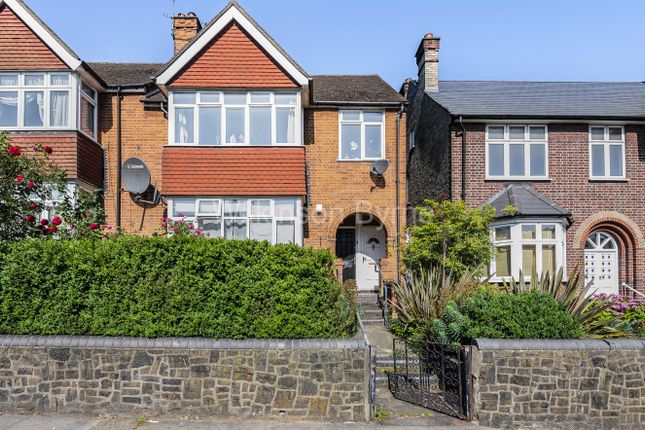 Thumbnail Flat for sale in Brownlow Road, Bounds Green
