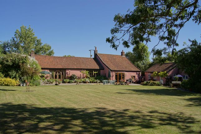 Thumbnail Cottage for sale in Wattisfield Road, Thelnetham, Diss