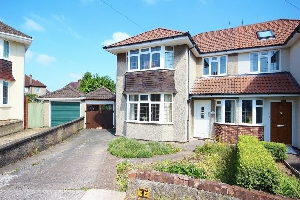 3 bed property to rent in Montroy Close, Henleaze, Bristol