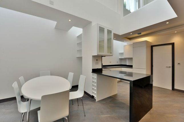 2 bed flat for sale in Mornington Place, London