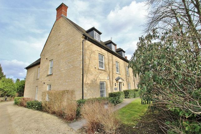 Thumbnail Flat for sale in Woodgreen, Chichester House, Witney