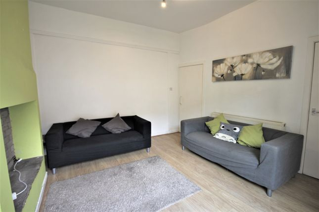 4 bed terraced house to rent in Pedder Street, Ashton-On-Ribble, Preston PR2