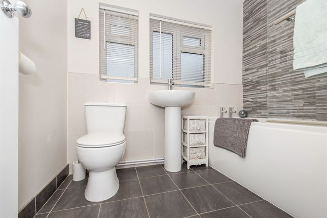 Family Bathroom of Howden Road, Eyres Monsell, Leicester LE2
