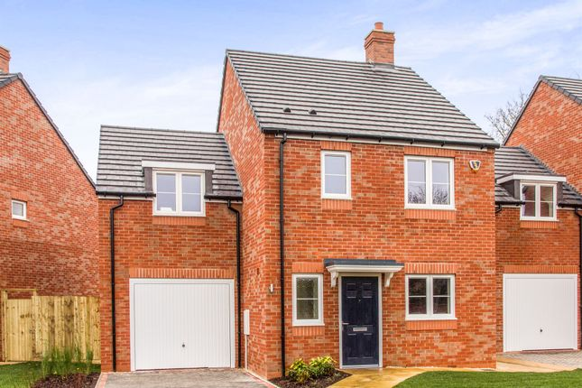 Thumbnail Detached house for sale in Walton Road, Wellesbourne