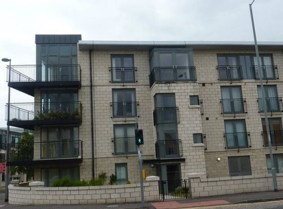 Thumbnail Flat to rent in West Granton Road, Edinburgh