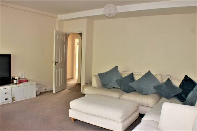 Thumbnail Flat to rent in Maypole Road, Ashurst Wood, East Grinstead