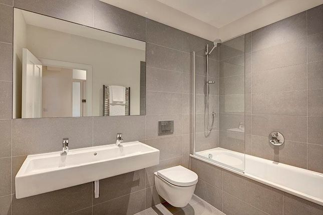 Bathroom of Hamlet Gardens, Ravenscourt Park, Hammersmith W6