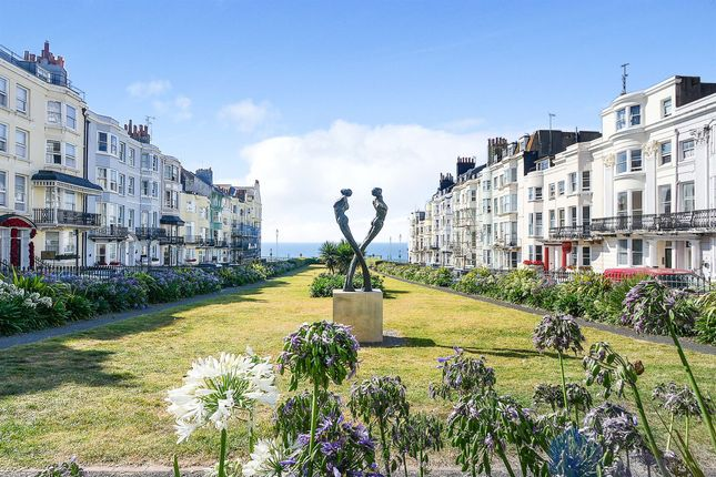 1 bed flat for sale in Devonshire Place, Brighton BN2