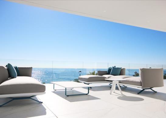 Thumbnail Apartment for sale in Pasaje Playa, 29680 Estepona, Málaga, Spain