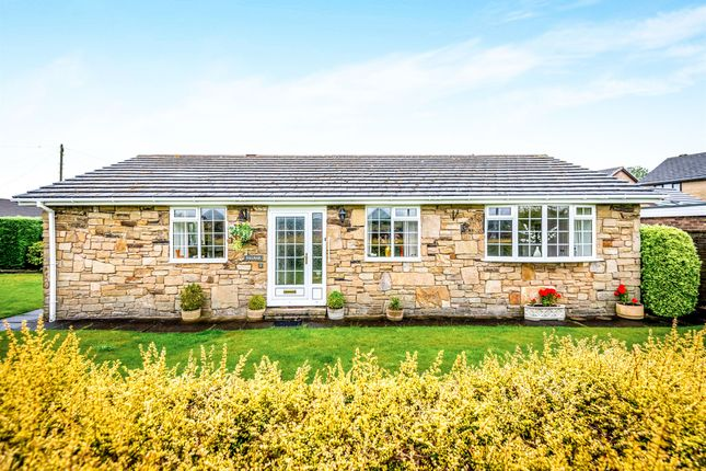 3 bed detached bungalow for sale in Sycamore Court, Kirkburton, Huddersfield