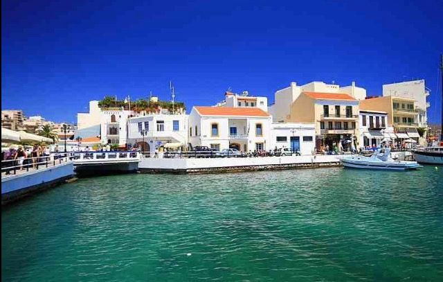 Agios Nikolaos With Shops And Cafes Close By
