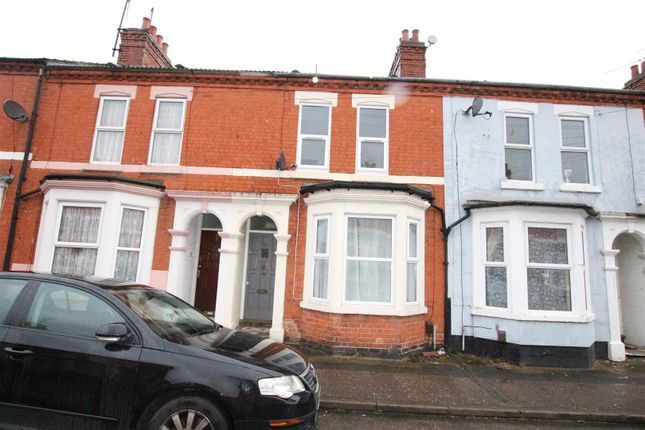 3 bed property to rent in Symington Street, Northampton NN5