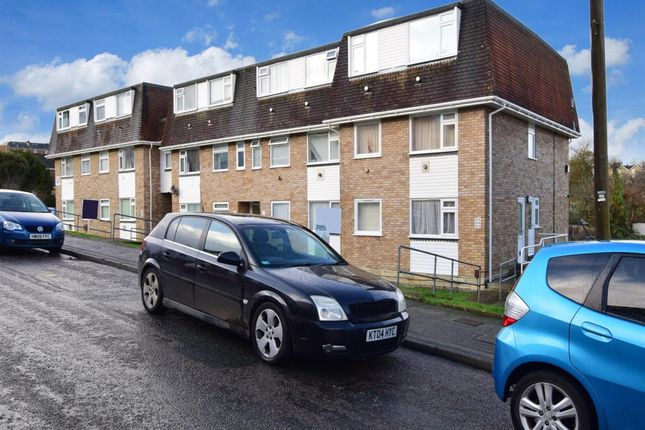 Flat to rent in Fellows Road, Cowes