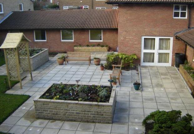 Thumbnail Flat to rent in Oak Tree Place, Gipton, Leeds
