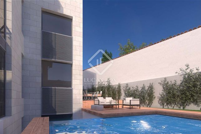 Thumbnail Land for sale in Spain, Madrid, Madrid City, Chamartín, Hispanoamérica, Mad3287