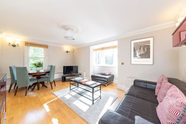 Flat for sale in North Common Road, London