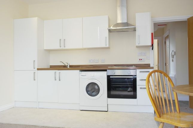 Thumbnail Flat to rent in Flat 2, Sutherland Road, Plymouth