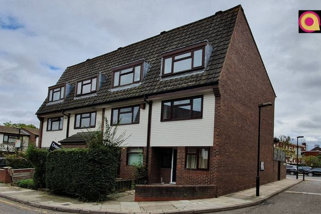 Thumbnail Terraced house to rent in Union Drive, Mile End, London