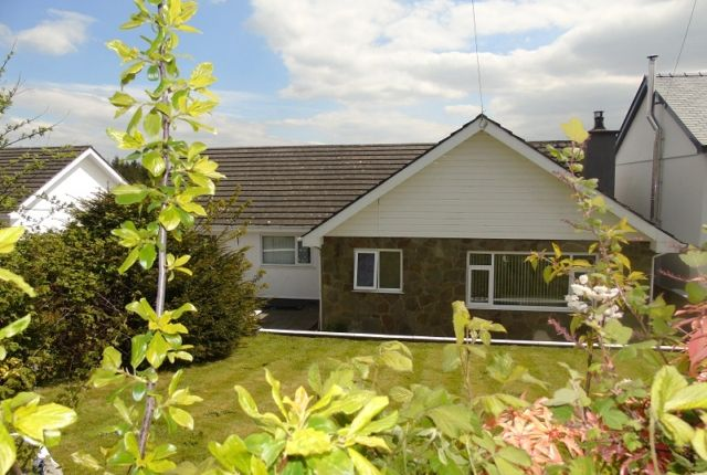 Thumbnail Bungalow to rent in Heol Y Nant, Llannon, Llanelli